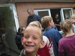ベルギーの小学校にて、理科の課外授業。